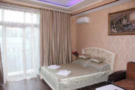 Rent a room in Yalta (holiday by the sea)