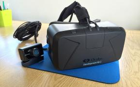 The new Oculus Rift DK2 Set of gadgets in a gift delivery
